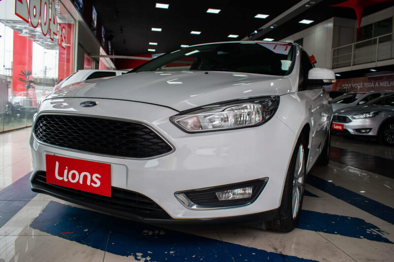 FORD FOCUS SE AT